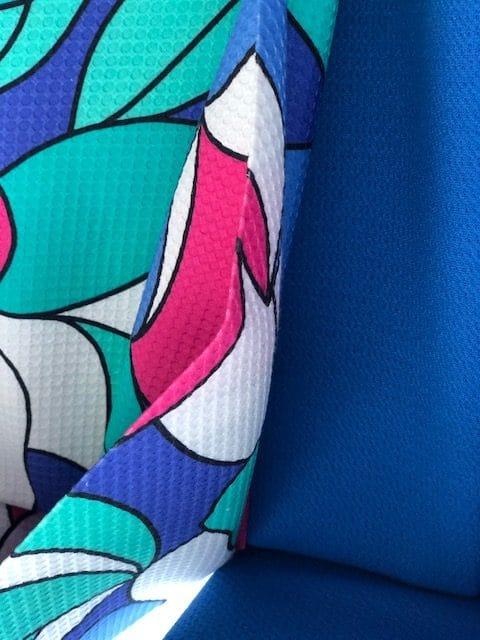 Modestof felle kleuren groen roze blauw
