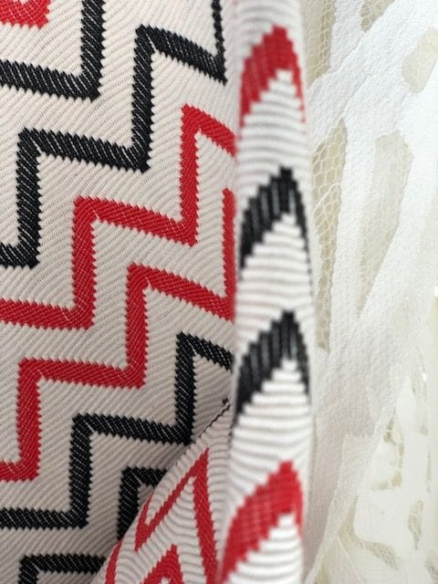 Modestof zwart wit rood